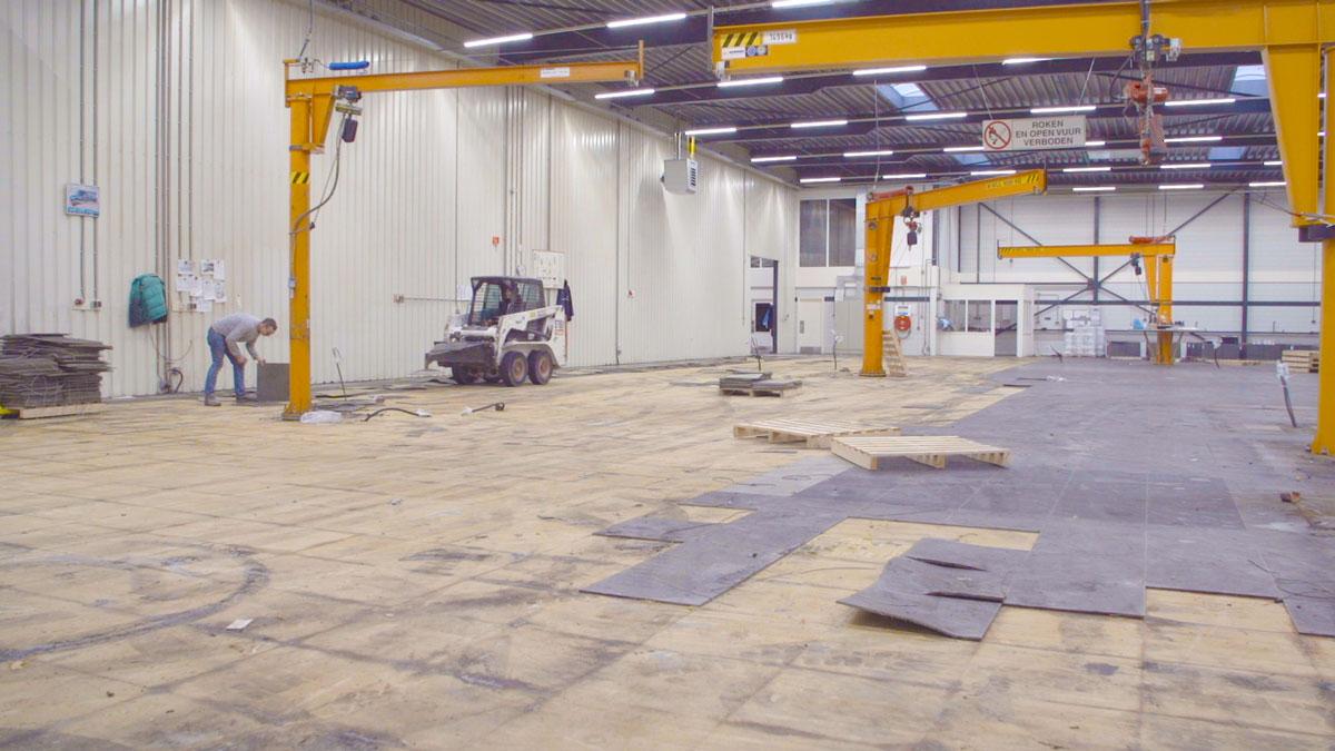 Zuurvaste kunststof of PVC tegelvloer verwijderen